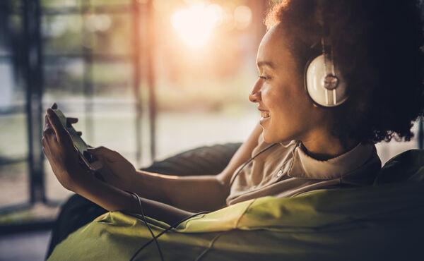Zehn Must-have Hörbücher für Sommer-Wellness