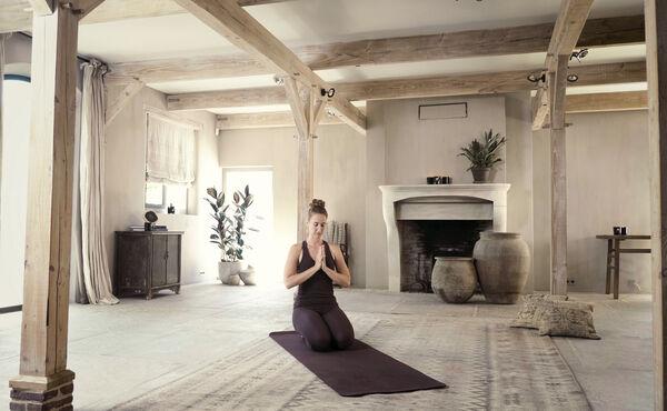 Fördern Sie die Harmonie zwischen Ihrem Körper und Geist am zweiten Tag des dreitägigen Yoga-Programms