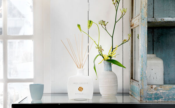 Der Duft von Gelassenheit: Wie Aromatherapie Ihre Meditation verbessert