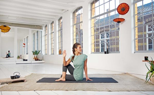 Novo no Ioga? Experimente esta Rotina de Hatha Yoga para Iniciantes