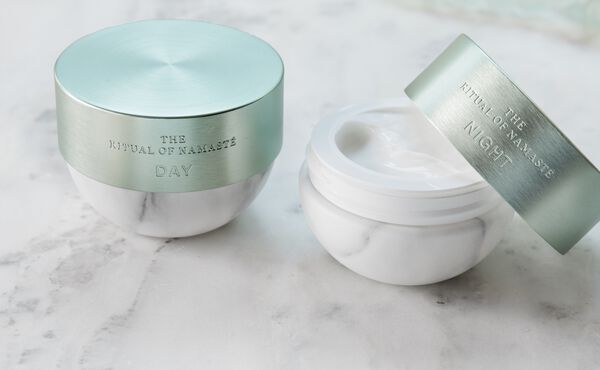 Day Cream vs. Night Cream: Here's the Difference, According to Expert Abigail James