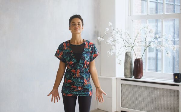 En jordende yogasekvens for Vata