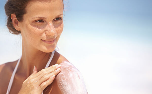 Love the sun and your skin: expert tips for the summer