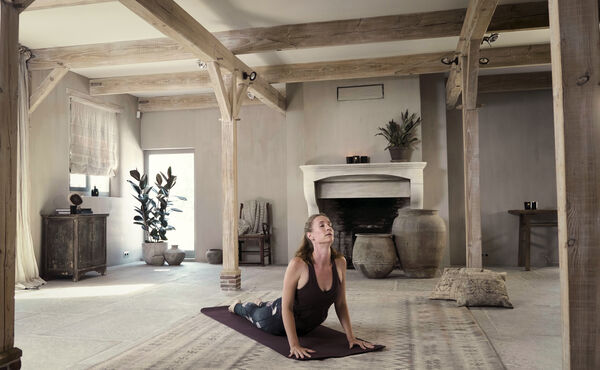 Get back on the mat with Deborah and Rituals' 3 days of yoga program