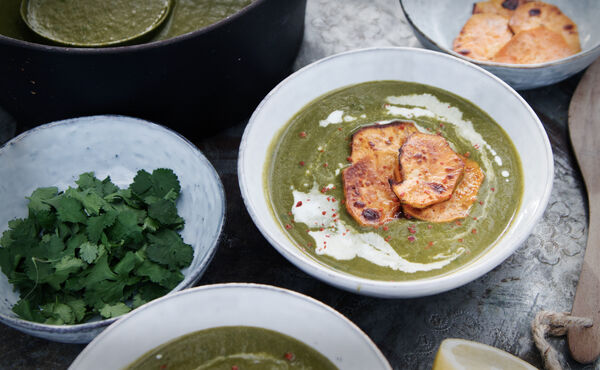 Your healthy winter recipes: kale soup & cauliflower masala