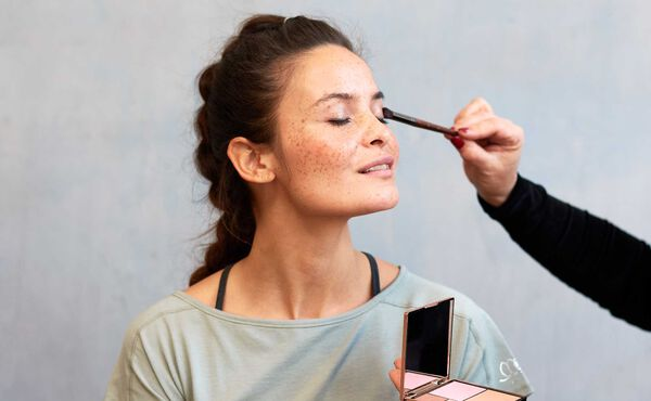 Summer-proof your make-up with these tips from expert Carmen Zomers