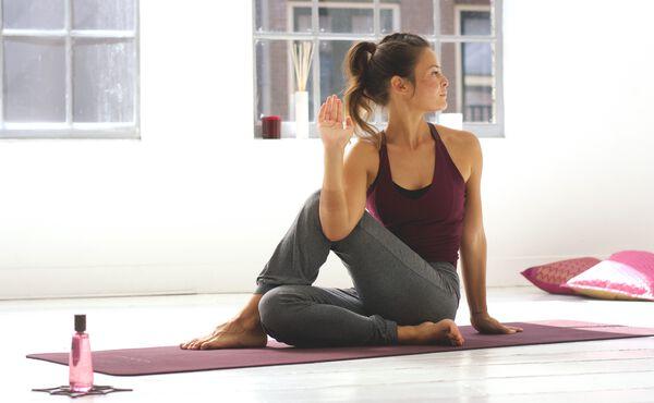 En energigivende yogasekvens til Kapha