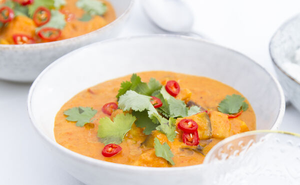 Red pepper curry