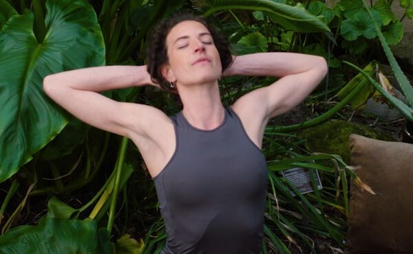 A high intensity yoga flow to boost your energy