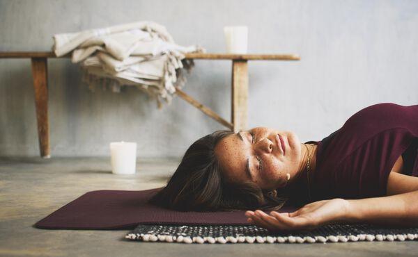 Ontspan je lichaam volledig met deze pitta yoga oefeningen