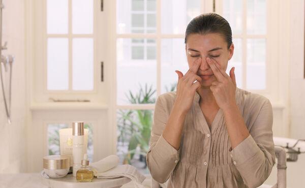 Tilfør glød til huden din på få minutter med ansiktsrefleksologi