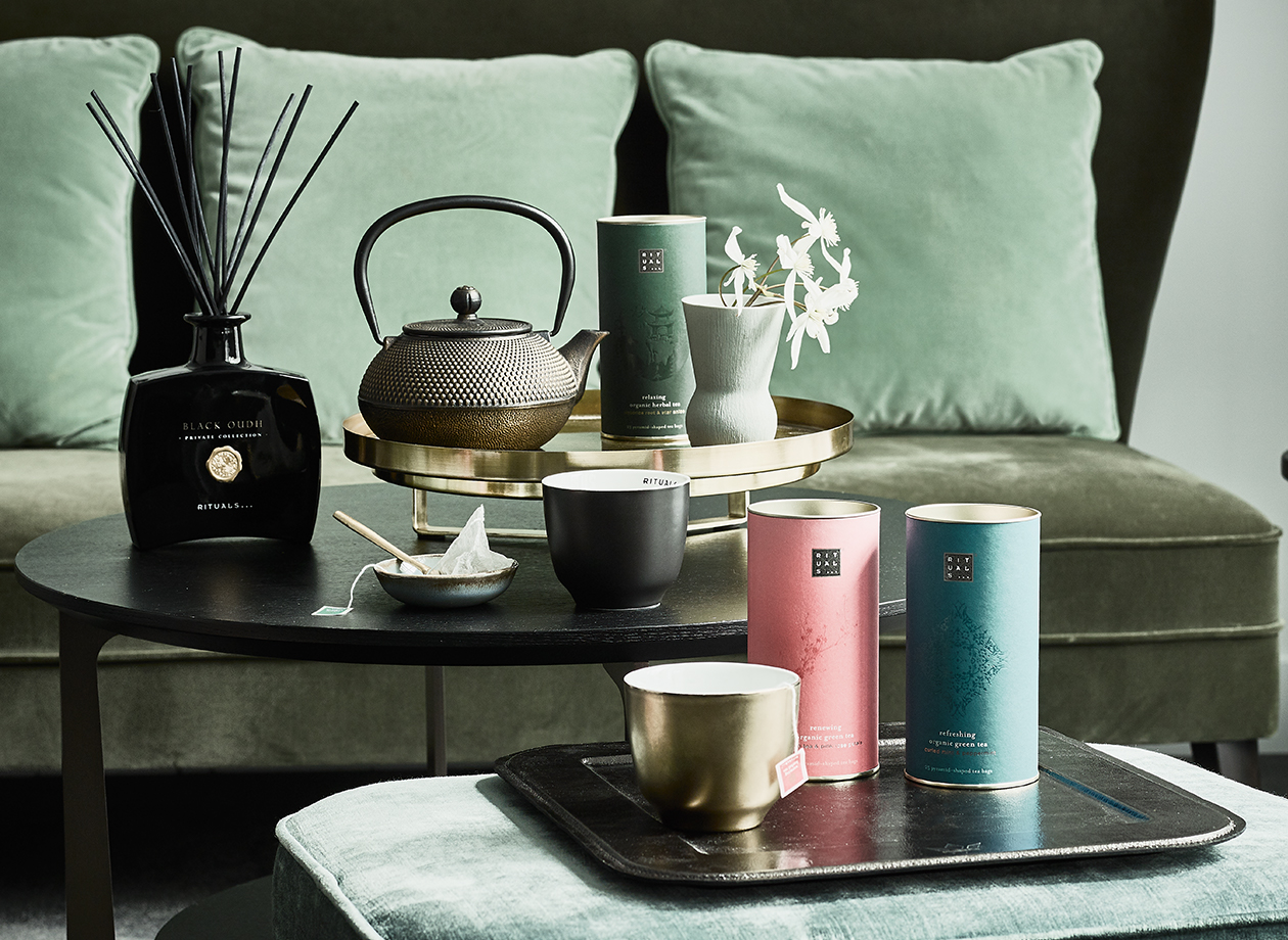 Delizia i tuoi ospiti con una squisita tazza di tè.
